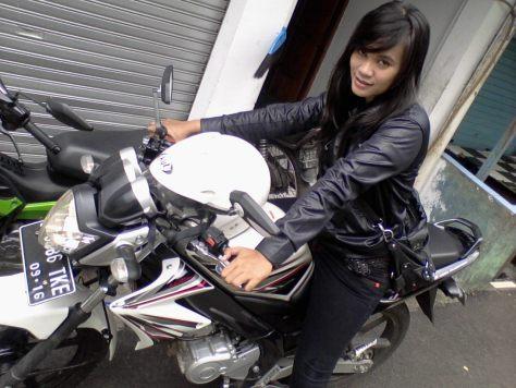 motor sport dan cewek
